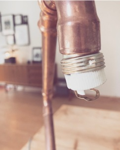 LAMPENFASSUNG MIT KABEL VERBINDEN & VERKLEBEN
